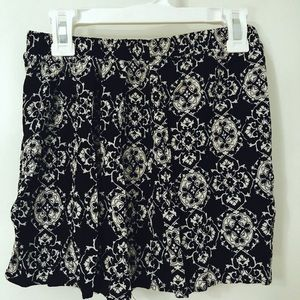 Pants - Flowy Pattern High Waisted Shorts
